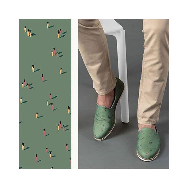 Les petits bonhommes Akagii sur les chaussures d'intérieur @bokit_shoes  #shoesmen #homestyle #green #chaussons #chaussures #pietons #figurativeprint #shadow #style #stylemen